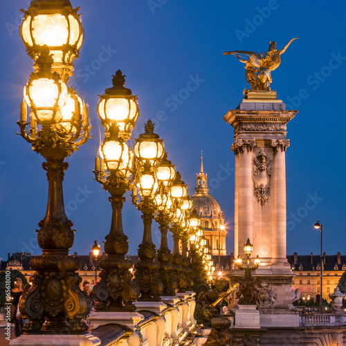 Obraz na dibondzie (fotoboard) Pont Alexandre III i Invalides w Paryżu, Francja