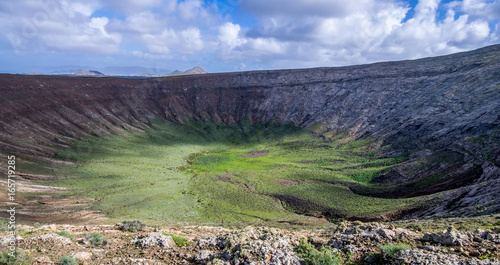 Fotoposter Olijf Canary Islands - Lanzarote - Caldera Blanca in Timanfaya national park