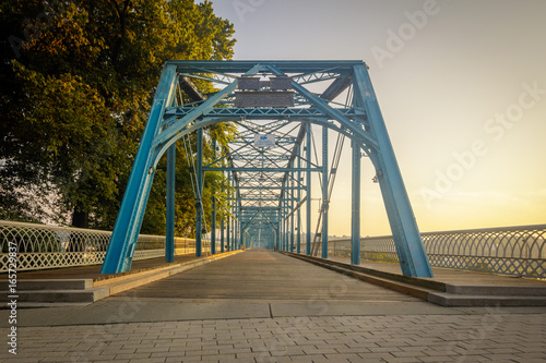 Papiers peints Pont Walnut Street walking Bridge Chattanooga, TN. Built in 1890 this is now exclusively for pedestrian and bicycle use.