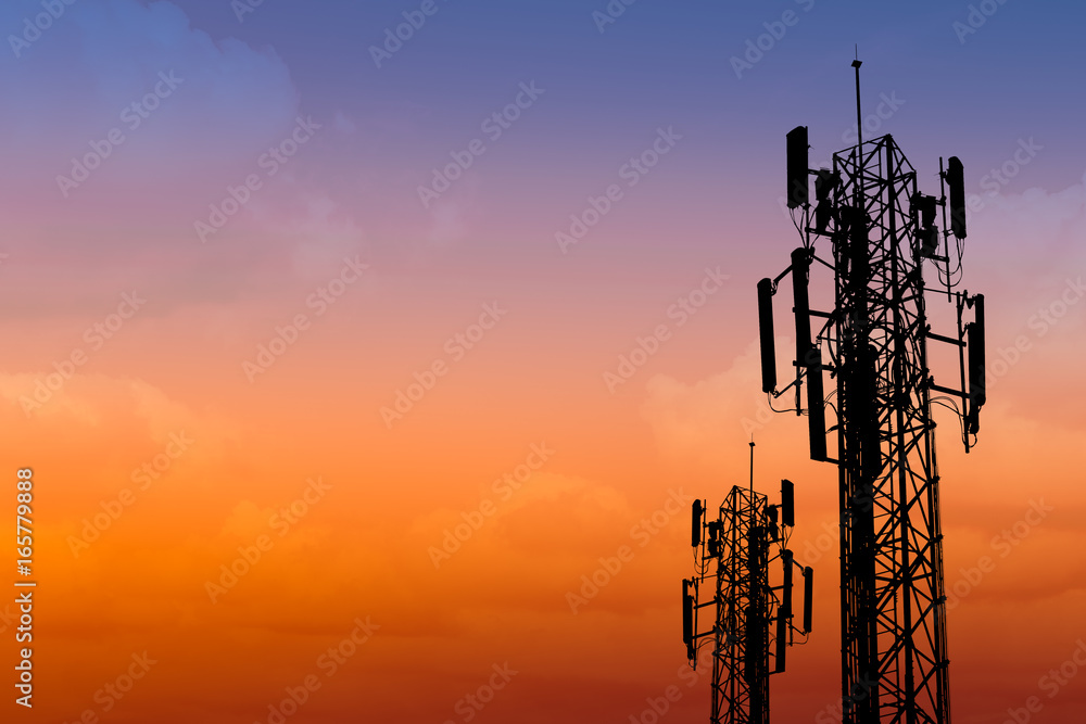 Fototapety, obrazy: silhouette of communication tower with dusk sky with space for text