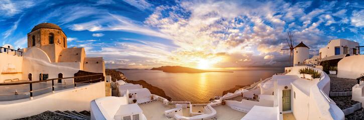 Zmierzch na Oia, Santorini. Grecja