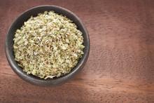 Fresh And Dried Oregano Herb O...