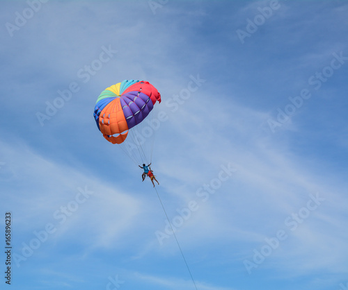 Foto op Canvas Luchtsport People playing parasailing in Phuket, Thailand