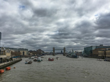 Cloudy Day And The London Bridge
