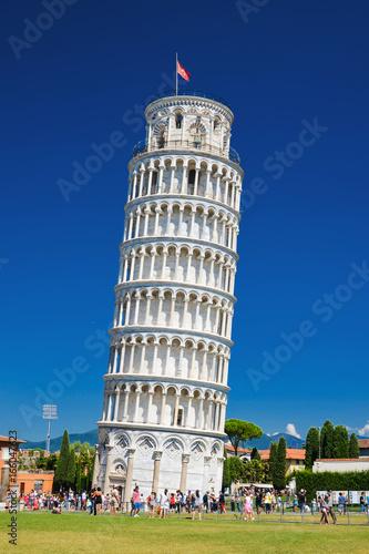Fotografia Słynna Krzywa Wieża w Pizie na Placu Cudów, Toskania we Włoszech