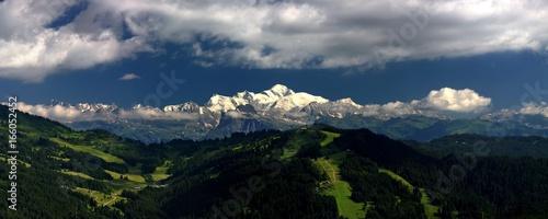 La Chaine du Mont Blanc vu du Mont Chery Fototapet