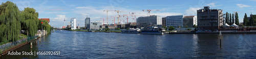 Foto Panoramic view of the river Spree in Berlin