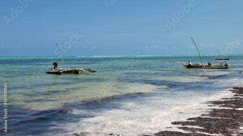 In de dag Zanzibar zanzibar bateau pécheur plage