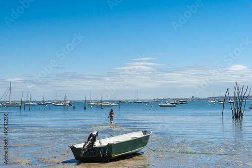 Photo BASSIN D'ARCACHON (France), baigneuse dans la baie