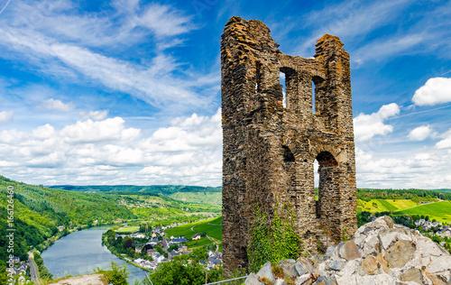 Foto op Aluminium Rudnes Ruine der Grevenburg, Wahrzeichen von Traben-Trarbach an der Mosel, Rheinland-Pfalz