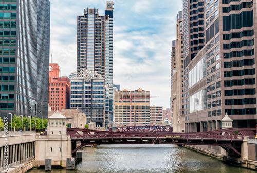 Zdjęcie XXL Monroe Adams Street Bridge w Chicago, pejzaż z drapaczami chmur, USA