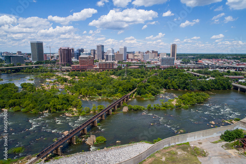 Tablou Canvas Aerial image Downtown Richmond Virginia and James River