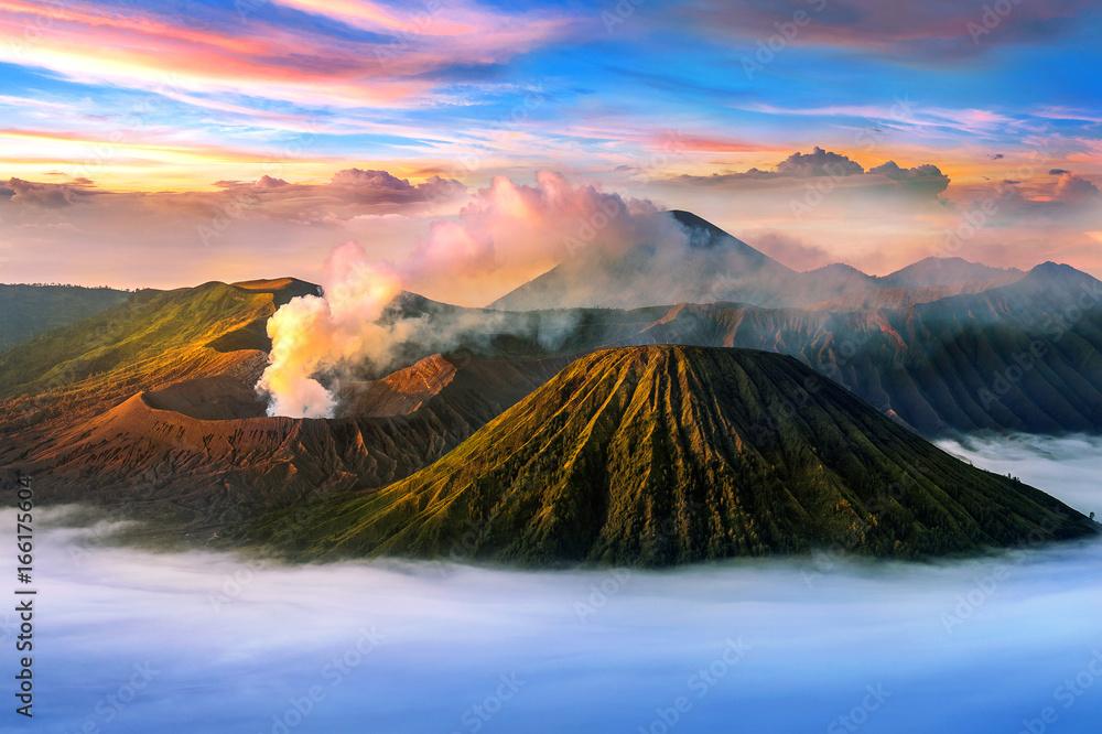 Fototapeta Mount Bromo volcano (Gunung Bromo)in Bromo Tengger Semeru National Park, East Java, Indonesia.