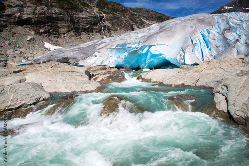 Fotobehang Gletsjers Nigardsbreen glacier in summer, Norway
