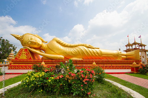 Big Buddha statue at Wat Pha That Luang in Vientiane, Laos Canvas Print