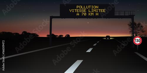 autoroute - signalisation routière - panneau - pollution - sécurité routière Canvas Print