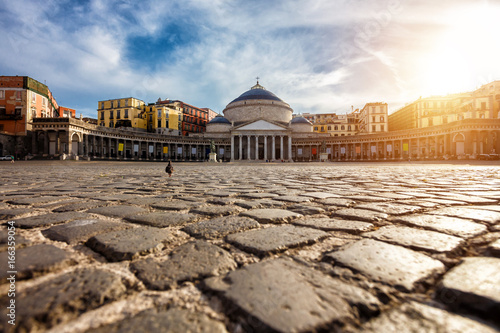 Photo Stands Napels Piazza del Plebiscito in Napoli, Italy. Travel destination