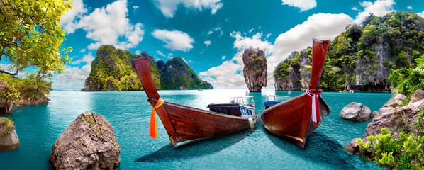 Obraz na Plexi Do łazienki Paisaje pintoresco de Tailandia. Playa e islas de Phuket. Viajes y aventuras por Asia