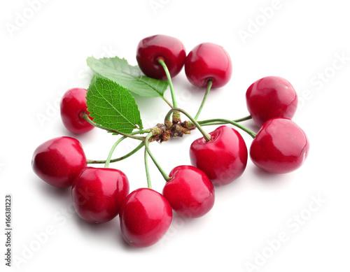Foto op Aluminium Vruchten Fresh ripe cherries on white background