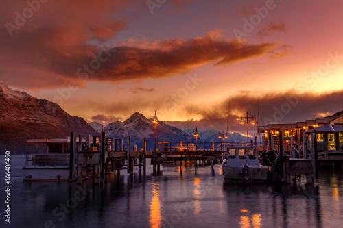 Poster Nouvelle Zélande beautiful sunset sky of port of lake wakatipu south land new zealand