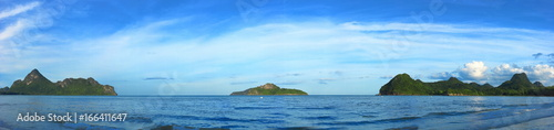 Deurstickers Zee / Oceaan Panoramic view of tropical paradise sea and mountain range with beautiful blue sky at Manao bay , Prachuap Khiri Khan , Thailand.