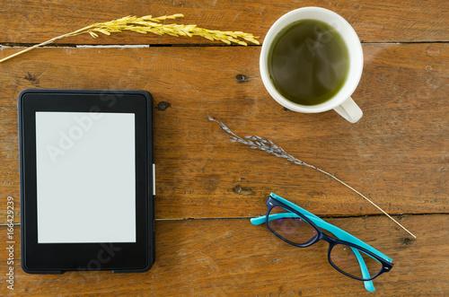 Fotografía E-Book, E-reader With Glass