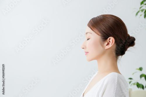Obraz 女性の横顔  - fototapety do salonu