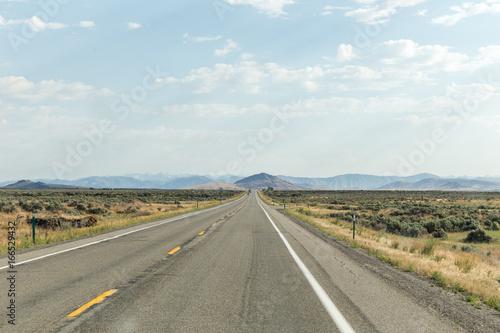 In de dag Route 66 Empty Desert Highway