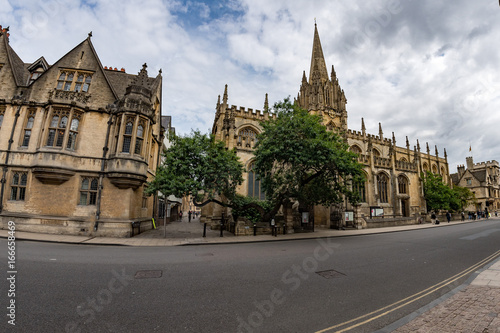 Foto op Plexiglas Zuid-Amerika land OXFORD, ENGLAND - JULY 15 2017 - Tourist in well famous town streets