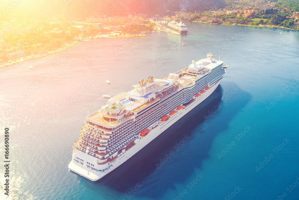 Fototapety, obrazy: Top view of a beautiful cruise liner in the bay