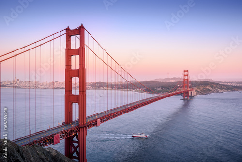 Tuinposter San Francisco Golden Gate, San Francisco California at sunset