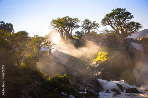 Photo Misty sunrise on Epupa falls - Kunene river - Namibia - Angola border