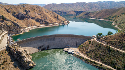 Hidroelektrana u Idahu, prekrasan pogled na obje strane