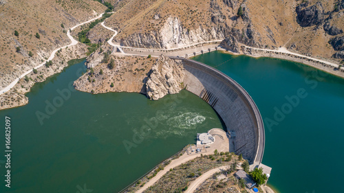 Tuinposter Dam Arrowrock Dam in Idaho and it is full of water