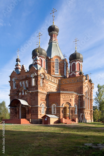 Fotobehang Monument The Church of the First-Great Apostles Peter and Paul in Jartcevo, Russia