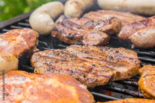 In de dag Grill / Barbecue Barbecue in freier Natur