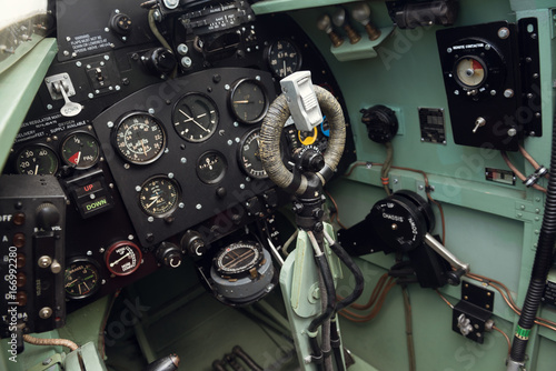 Fotografie, Tablou morecambe, england, 02/05/2016, The cockpit and controls inside a world war two spitfire british war plane