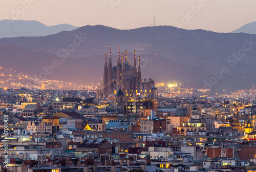 Poster Barcelona Barcelona city and sagrada familia at dusk time
