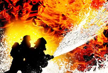 Strażacy walczący z ogniem