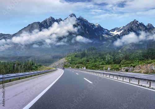 autostrada-poza-miastem-cofa-sie-do-wyzyn