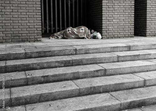 Fotografie, Obraz  clochard che dorme