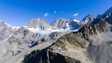 Alpine Refuge In High Mountain - Tourism In Valtellina - Marinelli Bombardieri In Valmalenco