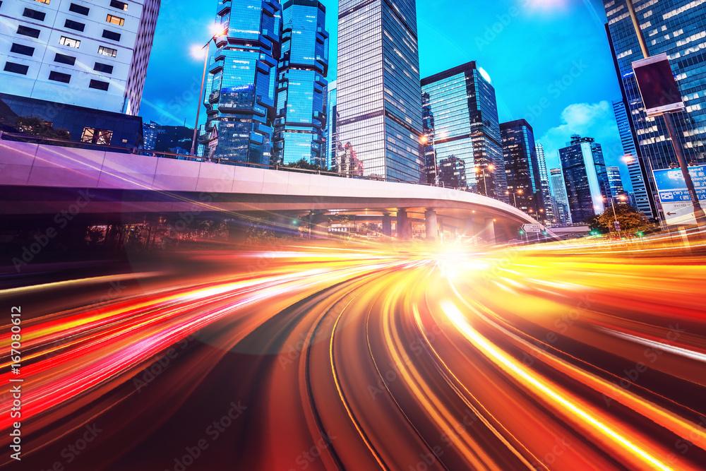 Abstrakcjonistyczny prędkości technologii tło z Hong Kong miasta noc scenami <span>plik: #167080612 | autor: YiuCheung</span>
