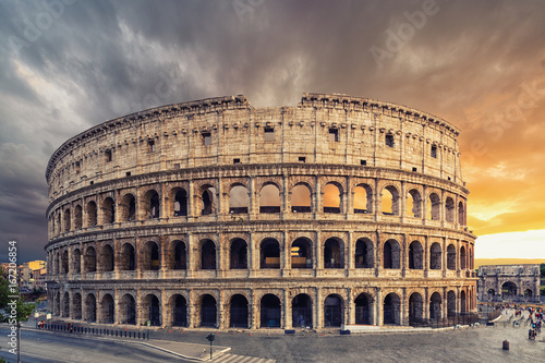 Fotografia, Obraz  The Colosseum or Flavian Amphitheatre (Amphitheatrum Flavium or Colosseo)