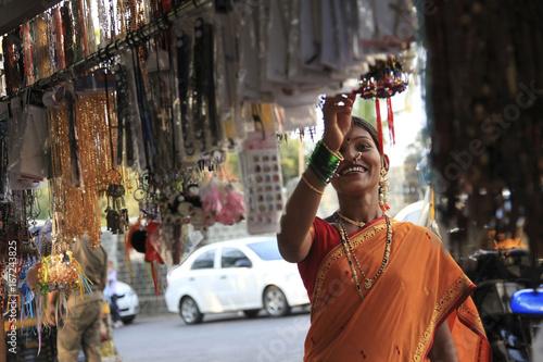 Maharashtrian woman shopping Canvas Print