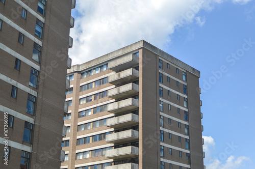 Stampa su Tela  Modern condo buildings in downtown Montreal, Canada