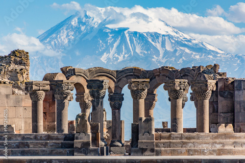 Poster Oude gebouw Ruins of the Zvartnos temple in Yerevan, Armenia