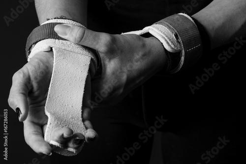 Tuinposter Gymnastiek Turnerin, Präparation vor dem Wettkampf
