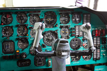 Cargo Airplane IL-76M Cockpit ...