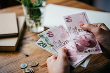 Lira Money
